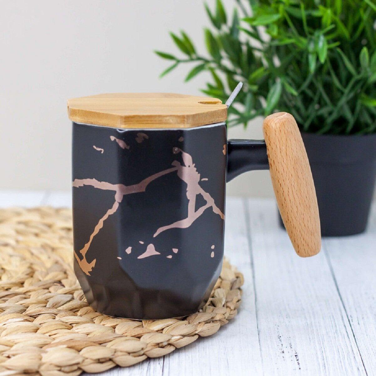 Чашка керамічна Мармур дерев'яною кришкою та ручкою 380 мл, чорна